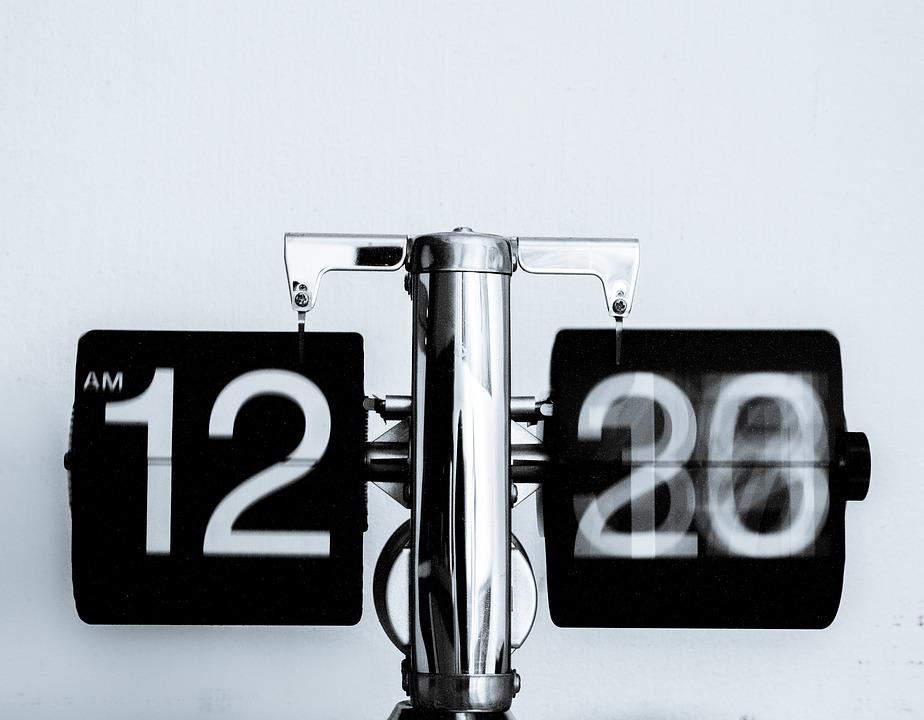 Zegar klapkowy w Twojej sypialni