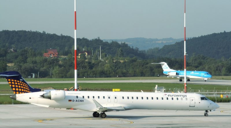 Jak wygląda odprawa na lotnisku w Krakowie?
