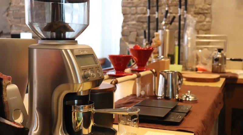 Czyszczenie ekspresu do kawy – jak czyścić ekspres kolbowy?
