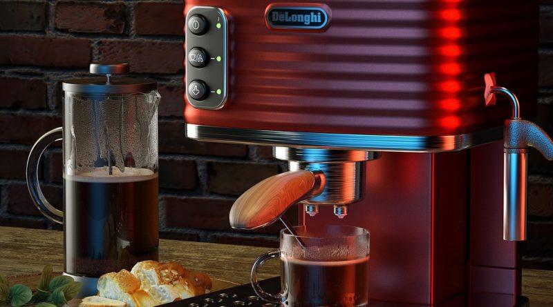 Ekspres do kawy gastronomiczny – jakie są jego cechy?
